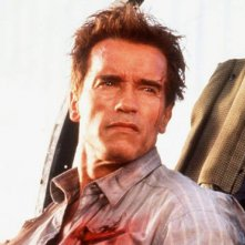 Arnold Schwarzenegger in una sequenza del film True Lies