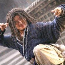 Jackie Chan in una scena del film The Forbidden Kingdom