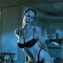 Jamie Lee Curtis nella scena dello strip nel film True Lies