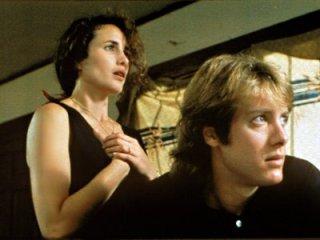 Andie MacDowell e James Spader in una scena del film Sesso, bugie e videotape
