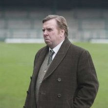 Timothy Spall in una scena del film di Tom Hooper Il maledetto United