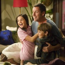 Bailee Madison, Adam Sandler e Griffin Gluck nel film Just Go With It
