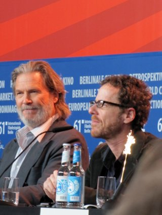 Berlinale 2011: Jeff Bridges presenta il film Il Grinta insieme al regista Ethan Coen