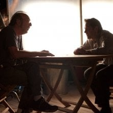 Paul Rudd con il regista James L. Brooks sul set della commedia Come lo sai
