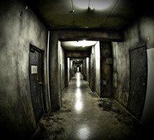Uno scenario inquietante dell'horror The Shock Labyrinth 3D