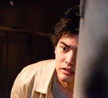Yuya Yagira in una scena dell'horror The Shock Labyrinth 3D (2010)