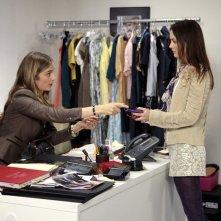 Caitlin Fitzgerald e Leighton Meester nell'episodio Panic Roommate di Gossip Girl