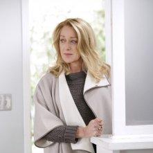 Patricia Wettig in una scena dell'episodio Thanks For The Memories di Brothers & Sisters