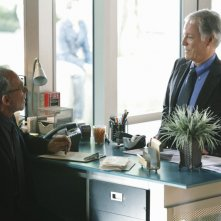 Ron Rifkin e Richard Chamberlain in Thanks For The Memories di Brothers & Sisters