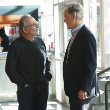 Ron Rifkin e Richard Chamberlain nell'episodio Thanks For The Memories di Brothers & Sisters