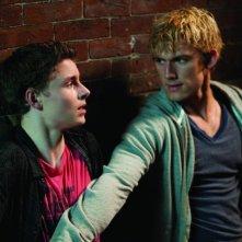 Alex Pettyfer con Callan McAuliffe in una scena del film Sono il numero quattro
