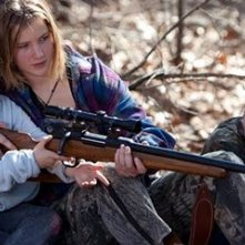 Ashlee Thompson, Jennifer Lawrence, Isaiah Stone in una scena di Winter's Bone