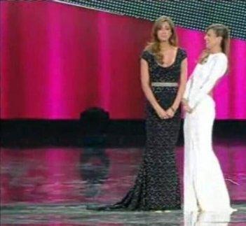 Belen Rodriguez ed Elisabetta Canalis a Sanremo 2011, seconda serata