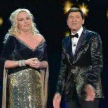 Gianni Morandi con Antonella Clerici a Sanremo 2011