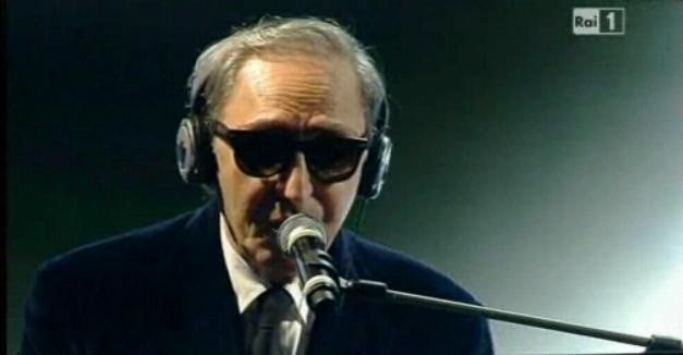 il cantautore siciliano Franco Battiato a Sanremo 2011