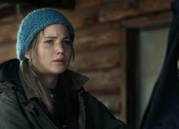 Jennifer Lawrence in un primo piano tratto dal film Winter's Bone.