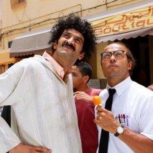 Eric Judor e Ramzy Bedia in un momento del film Halal police d'état