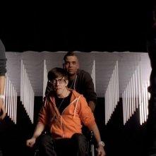 Harry Shum jr., Kevin McHale, Mark Salling e Chord Overstreet in una scena dell'episodio Comeback di Glee