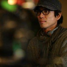Il regista Tae-Yong Kim sul set di Late Autumn
