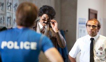 Ramzy Bedia ed Eric Judor in una scena di Halal police d'état