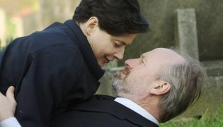 William Hurt e Isabella Rossellini in una scena di Late Bloomers