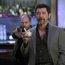 Augusto Gaez (Lou Diamond Phillips) in una scena dell'episodio Chuck Versus the Cat Squad