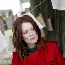 Primo piano di Julianne Moore dal film Shelter