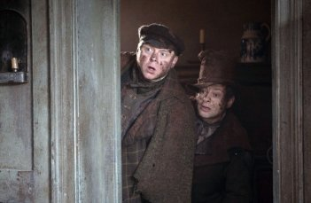 Andy Serkis e Simon Pegg in una immagine del film Burke and Hare