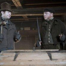 Andy Serkis e Simon Pegg in una scena del film Burke and Hare