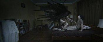 Arak Amornsupasiri in una sequenza significativa dell'horror Body