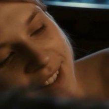 Clemence Poesy in una scena del film 127 Hours