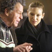John Noble ed Anna Torv in una scena dell'episodio 6B di Fringe