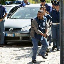 Sergio Friscia in una scena di Caccia al Re - La narcotici