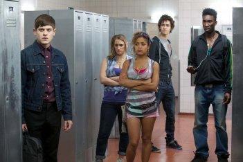 Una scena di gruppo dalla stagione 2 di Misfits
