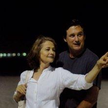 Charlotte Rampling e Bill Pullman nel film Rio Sex Comedy