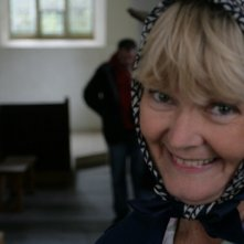 Chrissie Cotterill sul set del film film Holy Water