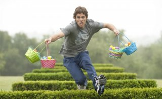 James Marsden in una scena del film Hop
