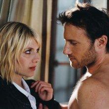 Mélanie Laurent seduce Christopher Stills nel film Requiem pour une tueuse