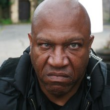 Primo piano di Tommy 'Tiny' Lister dal film Holy Water