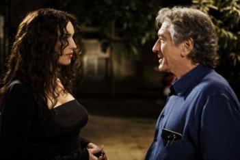 Robert De Niro e Monica Bellucci in una scena del film Manuale d'Amore 3