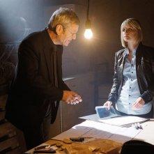 Tchéky Karyo e Mélanie Laurent nel film Requiem pour une tueuse