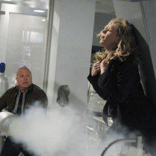 Julie Benz e Michael Chiklis nell'episodio No Ordinary Double Standard di No Ordinary Family
