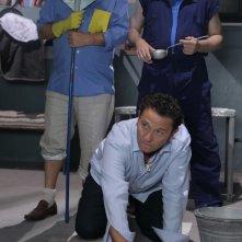 Enzo Salvi, Maurizio Battista e Massimo Ceccherini in una scena di Una cella in due