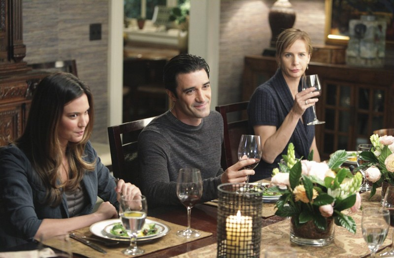 Odette Yustman Gilles Marini E Rachel Griffiths Nell Episodio Safe At Home Di Brothers Sisters 194668