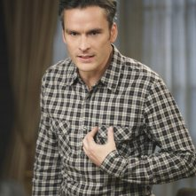 Tommy (Balthazar Getty) in una scena dell'episodio Safe at Home di Brothers & Sisters