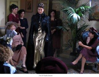 Una foto di scena della fiction Atelier Fontana - Le sorelle della moda
