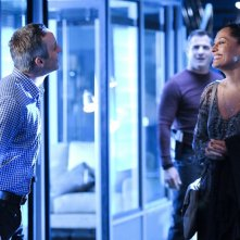 Wallace Langham, George Eads e Tracee Ellis Ross in All That Cremains di CSI: Scena del crimine