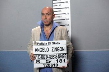Maurizio Battista in un momento di Una cella in due