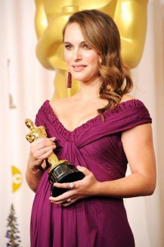 Oscar 2011: Natalie Portman premiata per la sua interpretazione in Black Swan di Aronofsky