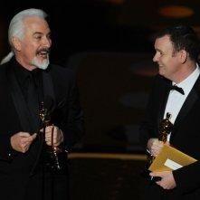 Oscar 2011, Rick Baker e Dave Elsey con le statuette ricevute per il trucco di The Wolfman.